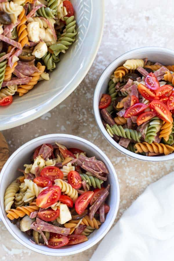 Easy Italian pesto pasta salad in bowls