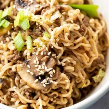 bowl of ramen noodles with beef reicpe