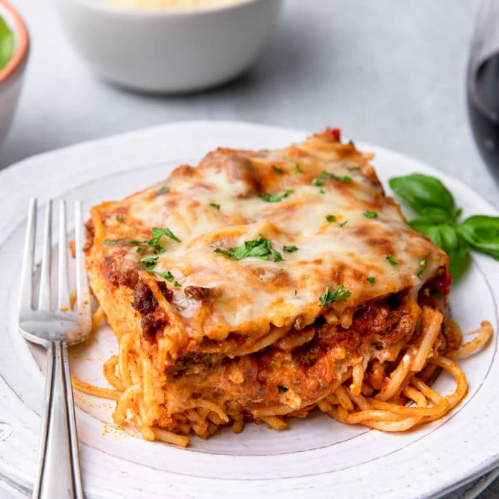 A plate of baked spaghetti.