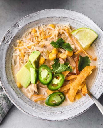 A bowl of chicken chili.