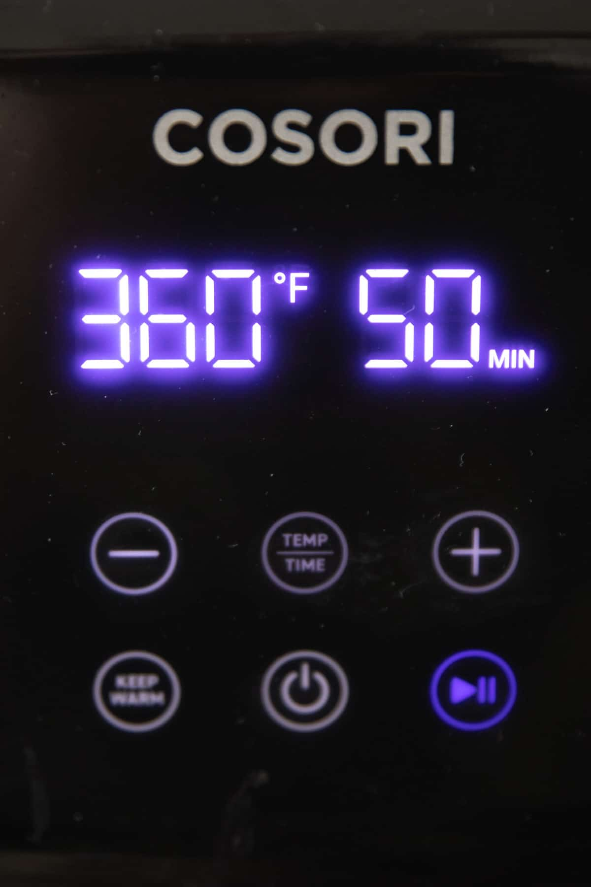 time and temperature on an air fryer display